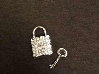Agnes b crystal padlock • lock