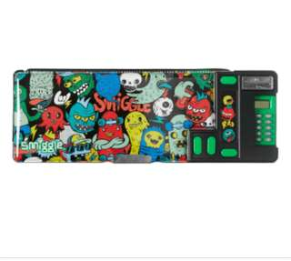 Smiggle pop out pencil case with calculator  rm55 NEW