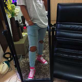 PACSUN KNEE RIPPED JEANS