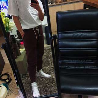 URBAN OUTFITTERS MAROON SWEATPANTS