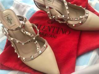 RUSH SALE Valentino Rockstud Pumps