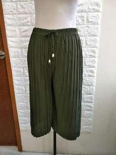 Short square pants