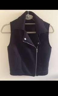 Black Vest | Size S