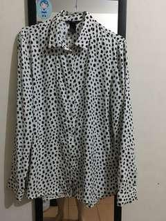 H&M shirt leopard motif