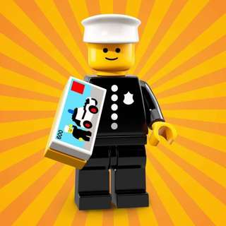 LEGO 71021 Collectible Minifigures Series 18 - No.8 Classic Police Officer