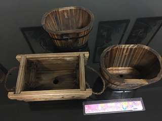 Set of wooden flower pot