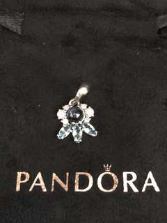 Brand New Auth Pandora Patterns of Frost Pendant Charm
