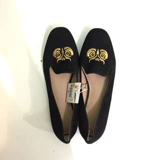 Zara Flat shoes NEW