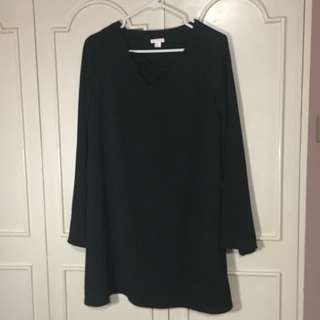 Black Loose Long Sleeved Short Dress