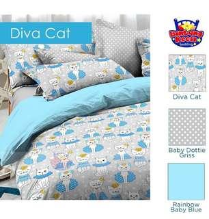 Bedcover Diva Cat