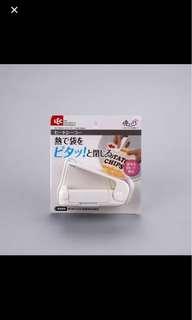 1013) 全新 日本進口迷你封口機手壓加熱密封機保鮮袋零食電熱封口夾家用