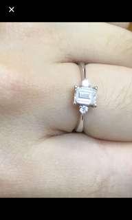 🈹️私人放 18k金鑽石戒指 主石42份 伴石5份 非常閃 白 原價$8x x x 平售$3980