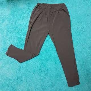 🚚 正韓深灰色顯瘦彈性哈倫褲