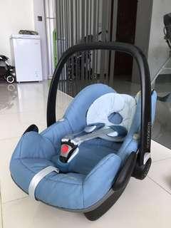 Maxi-Cosi Pebble Infant Car seat
