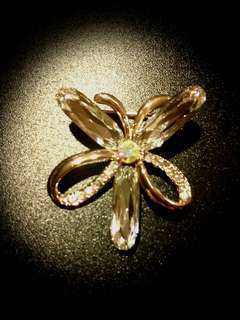 White Golden Flower Brooch