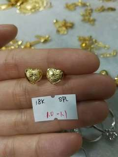 18 karat saudi gold earrings