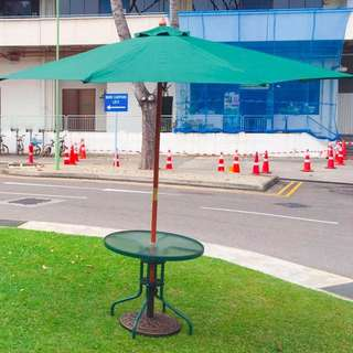 Brand New Parasol Umbrella with roundtable offer @ $250~