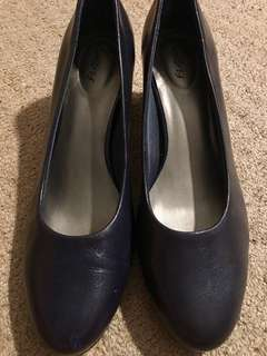Trotters closed shoes blue (almost black)