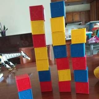 Tupperware block (block can open to make kids more creative)