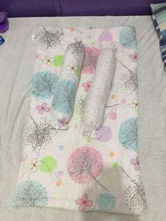 Comforter with bolster
