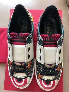 [New] Valentino Floral Sneaker