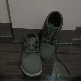 AE Lowcut Boots