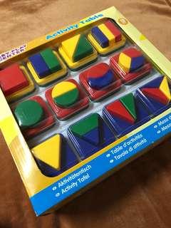 幾何積木遊戲桌