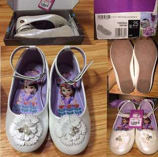 Doll shoes (size 25)