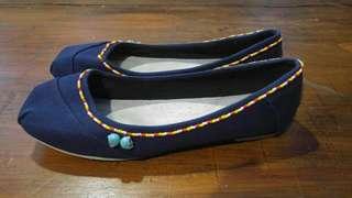 wakai blue flat shoes