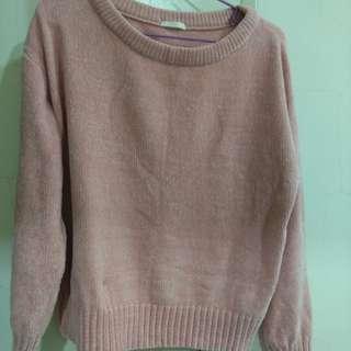 🚚 GU粉色針織上衣
