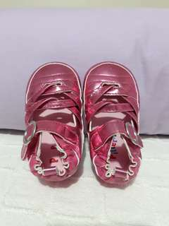 Pitter pat girl shoes size19