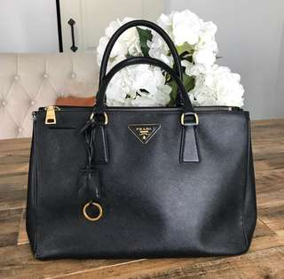 PRADA Saffiano Lux Tote Bag Medium