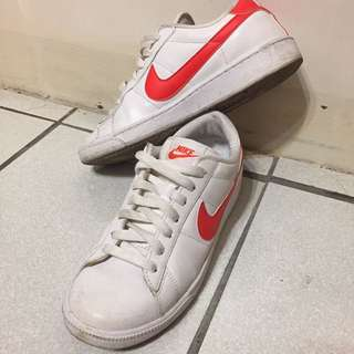 Nike 板鞋 紅白勾