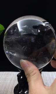 9 cm in diameter, crystal clear crystal ball.
