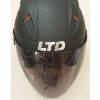 Helmet LTD Matt Hitam
