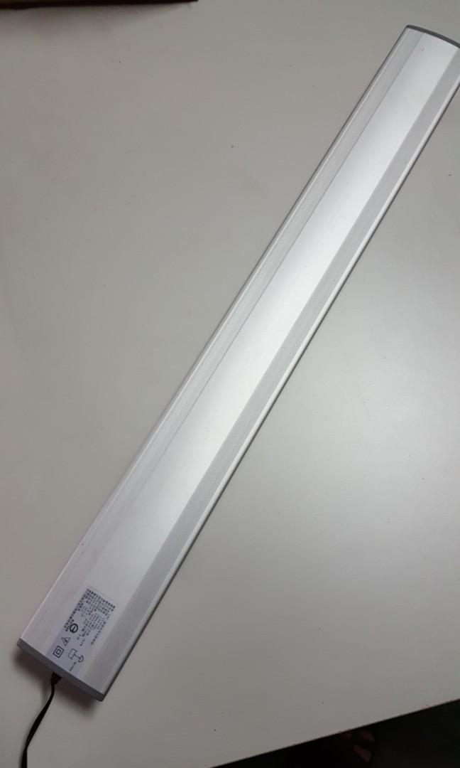 二尺 LED 水族燈共兩盞