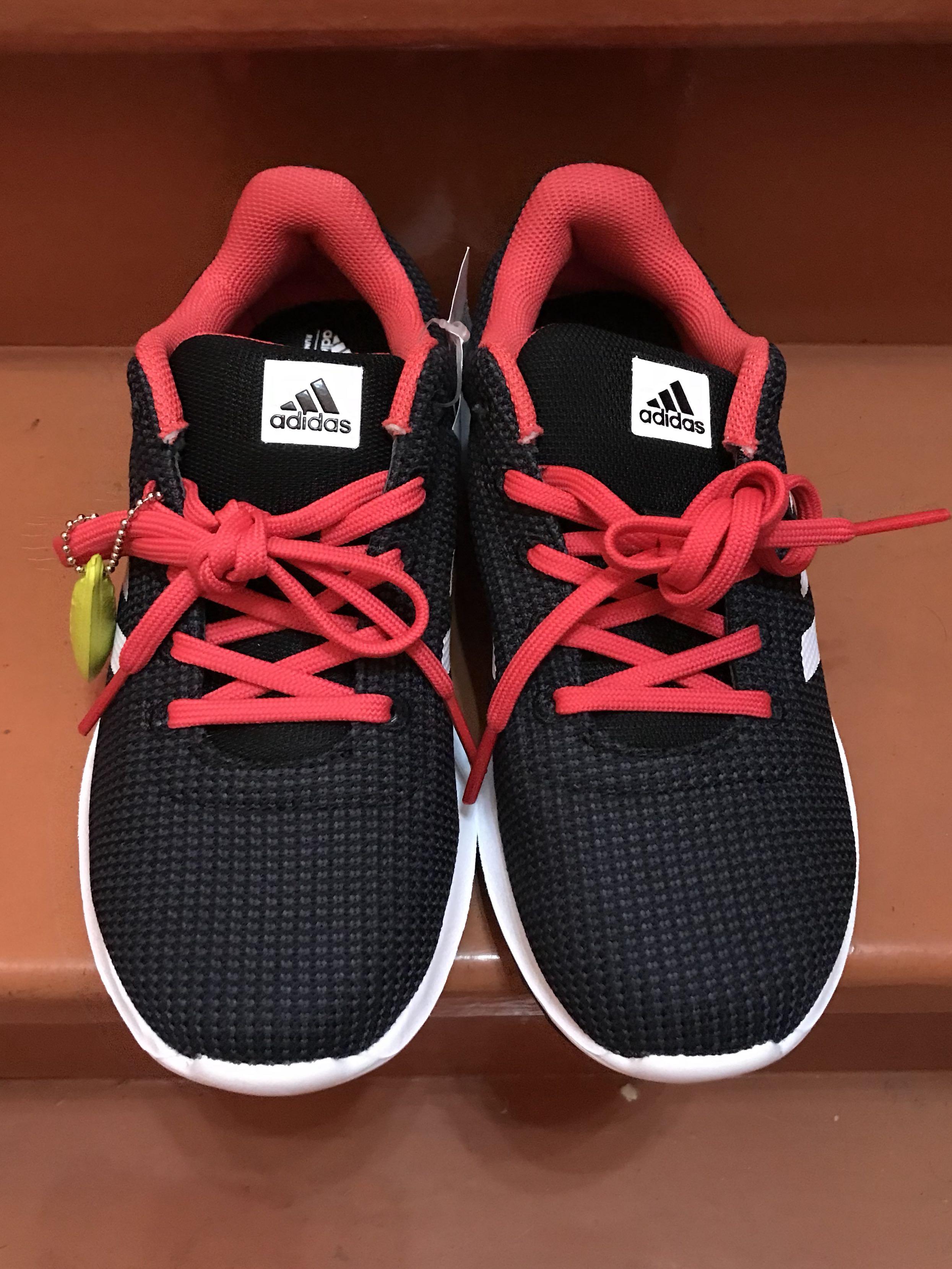 Adidas Cosmic W Cloudfoam Size 7 US