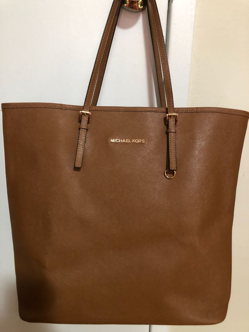 Authentic MICHAEL KORS Jet Set Tote in Saffiano leather - TAN