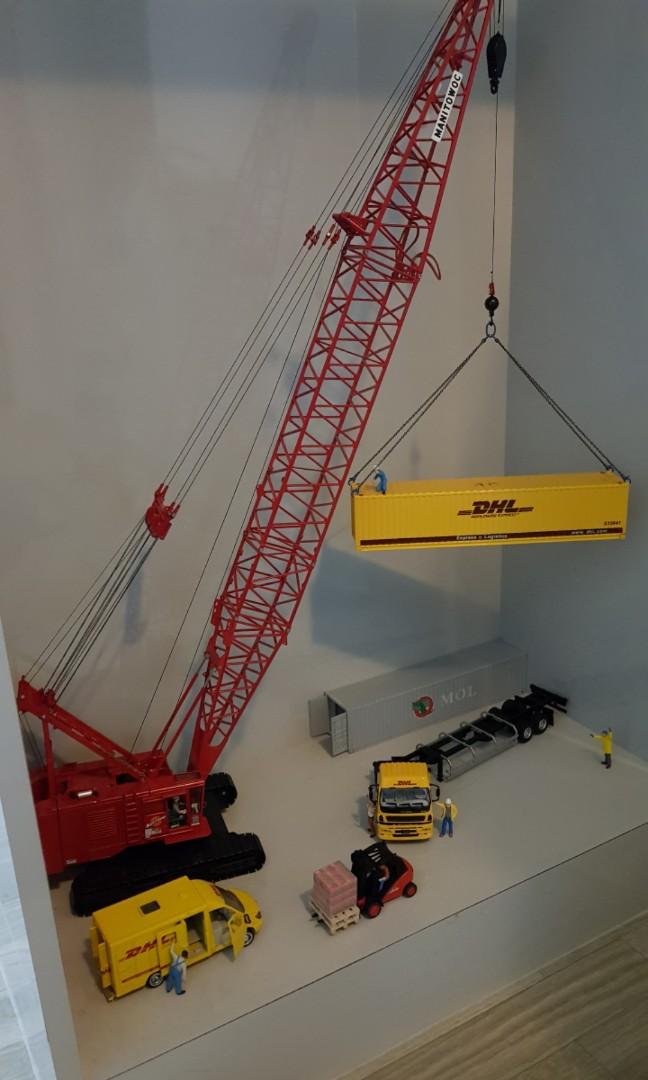 manitowoc 4100w crawler crane, Toys & Games, Bricks