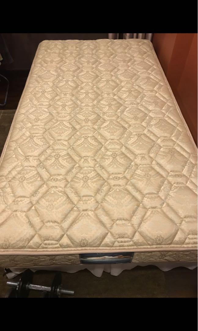 Simmons super single mattress and divan