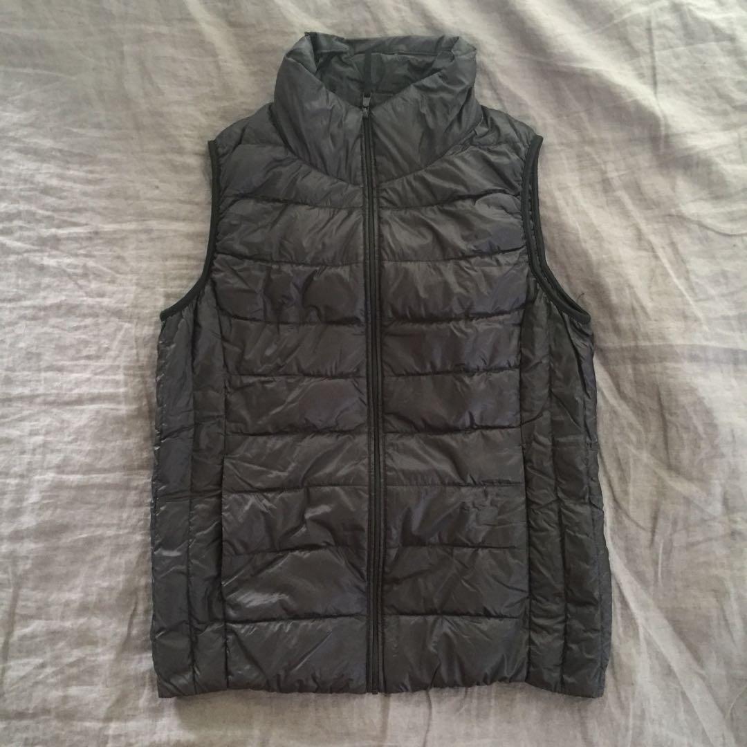 UNIQLO Black Down Puffer Vest