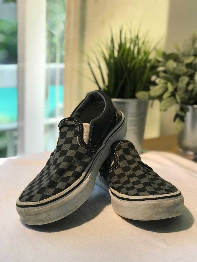 e616ab5318 Vans Slip-On Shoes US Size 2
