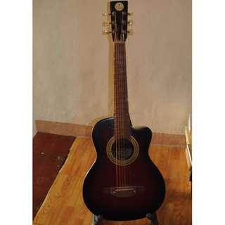 Lyric small guitar