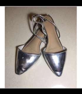 Marks and Spencer M&S Vintage metallic shiny silver mirror pointed slingback slides flats sandals mules walking shoes 馬莎 鏡面 金屬 閃亮 銀色 尖頭 鞋 平底鞋 heels pumps shoes bling ballet
