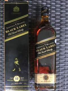 Johnnie Walker Black Label Old Scotch Whisky Age 12 years