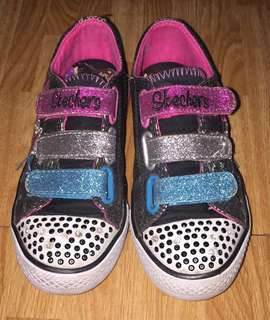🌸SALE: Sketchers Sneakers for Kids🌸