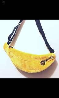 Baby milo 香蕉形 揹袋