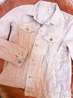 H&M pink denim jacket (2,290 in stores)