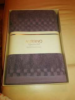 AUSSINO Signature Bath Towel