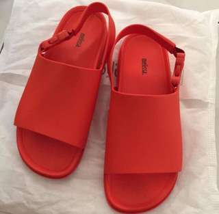 MELISSA BEACH SLIDE SANDALS US9
